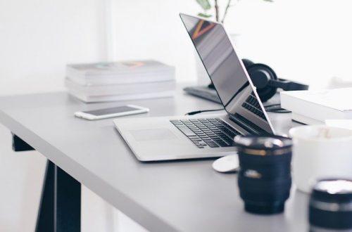 Miejsce pracy przy biurku